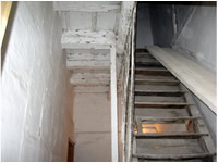 PHASE OF RECOVERY OF FLOORING OF STONE OF BOURGOGNE HOUSE ANCIENT AGE 1750,<br> ALL RIGOROUSLY ORIGINATE THEM.RECLAIMED ANTIQUE LIMESTONE