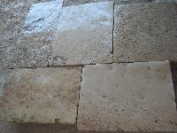 FHASE OF DE RECOVERY FLOORING OF ANCIENT STONE OF BOURGOGNE AGE 1800.<br> WE HAVE GREAT AMOUNTS IN WAREHOUSE OF THE ANCIENT FLOORING TO THIKNESS ORIGINATES THEM OR IT CUTS TO YOU FROM 3 CM.FOR INNER TO 5 CM.FOR EXTERIOR.(STOCK)MATERIAUX ANCIENS,RECLAIMED ANTIQUE LIMESTONE(OPUS ROMAN).